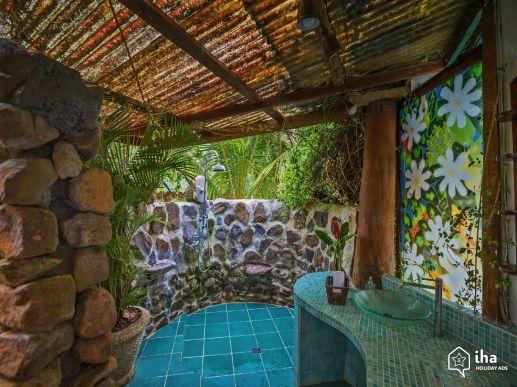 charming-vacation-rental-papetoai-robinson-s-cove-villa_12