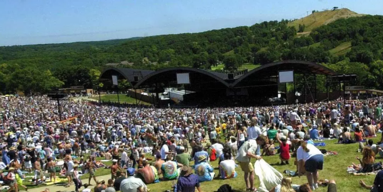 East Troy, WI - Alpine Valley Music Theater Image of Venue
