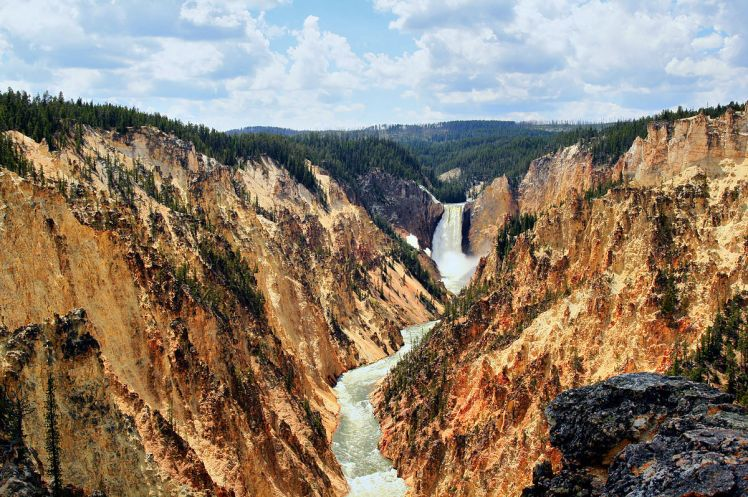 1200px-Grand_canyon_of_Yellowstone_and_Yellowstone_fall